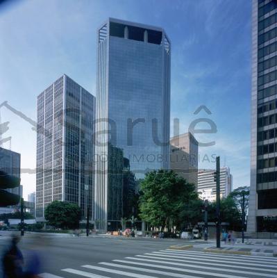 Conjunto comercial para locação com 245m² e 5 vagas, na Avenida Paulista, com copa, ar, forro e piso elevado em prédio de excelente padrão. R$ 18 mil