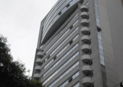 Conjunto comercial junto a Estação Brigadeiro do metrô, 90m², com 2 banheiros, copa, ar condicionado e 3 vagas. Em edifício com segurança 24h – R$ 818.000,00