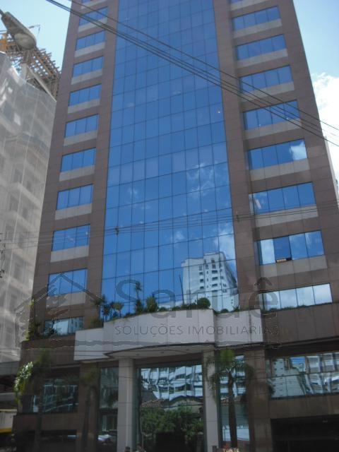 Conjunto comercial para locação com 120m² e 4 vagas, junto a Paulista e metro Brigadeiro, em prédio com café e auditórios, segurança 24 horas. R$ 8.000,00